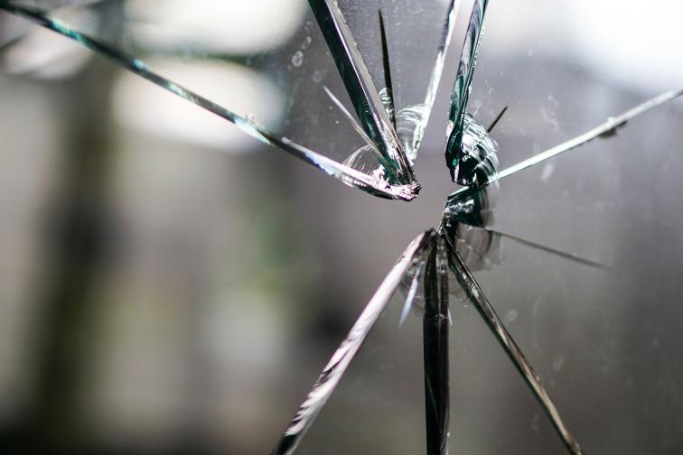 glass-1497231_1920