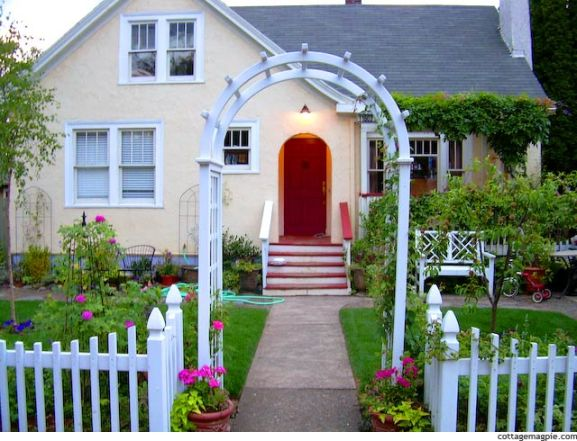 cottage-classics-white-picket-fence-3